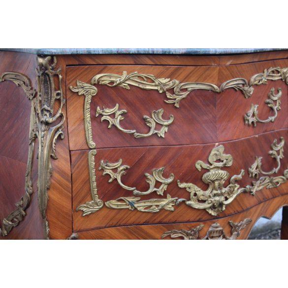 Rézveretes,márványlapos Francia barokk komód