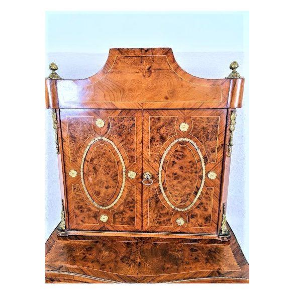 Antik Francia intarziás,rézveretes kabinetszekrény.
