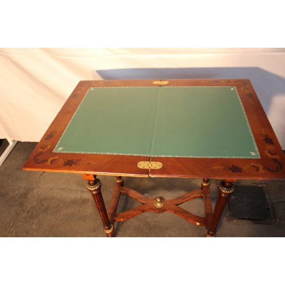 Régi intarziás játékasztal