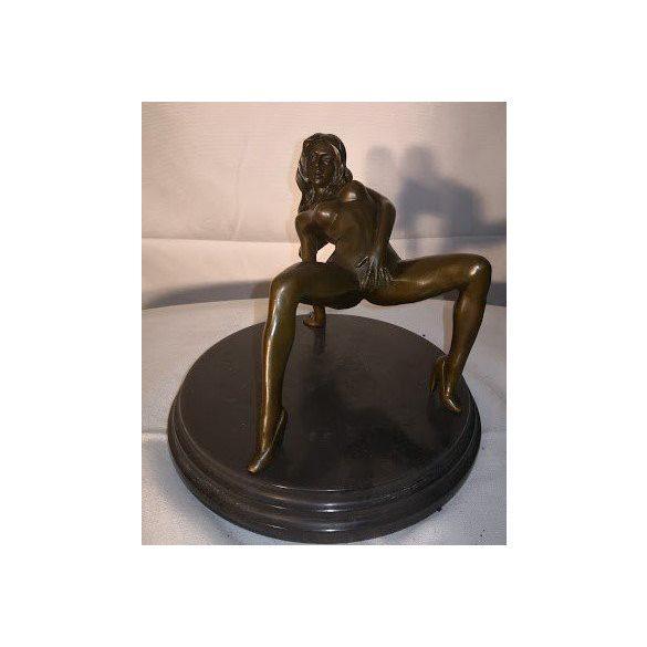 Női erotikus bronz szobor