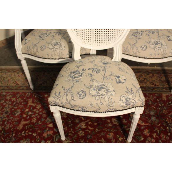Vintage stílusú, frissen felújított Francia barokk székek