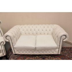Eredeti chesterfield bőr kanapé.