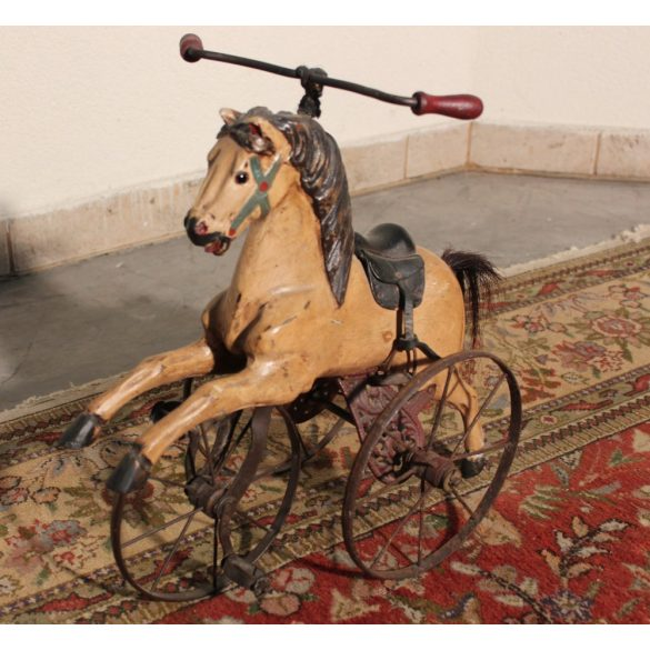Régi antik fa ló bicikli
