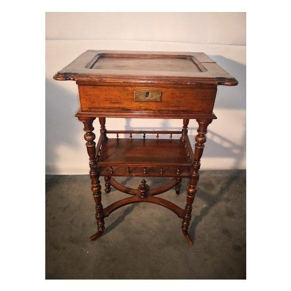 Antik ónémet varróasztal