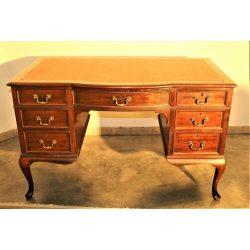 Barokk bőrlapos íróasztal