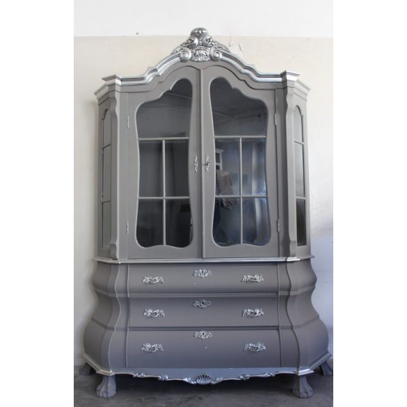 Barokk stílusú vitrin
