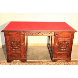 Frissen felújított valódi antik tömörfa íróasztal