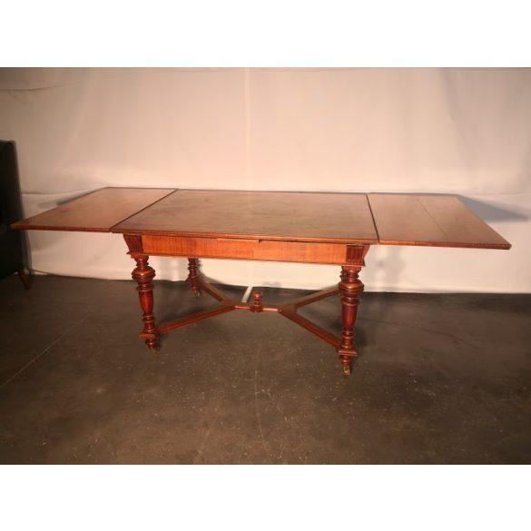 Antik ónémet bővíthető étkezőasztal