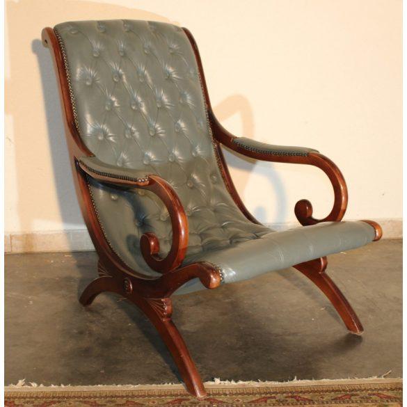 Chesterfield pihenő bőr fotel.