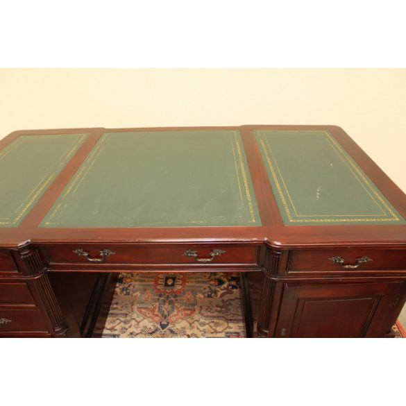 Chesterfield bőrborítású iker íróasztal