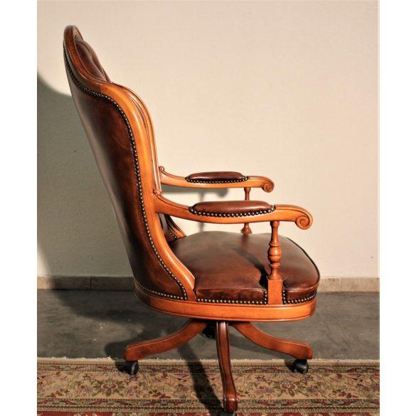 Antik konyak színű chesterfield magastámlás forgószék,íróasztalszék.