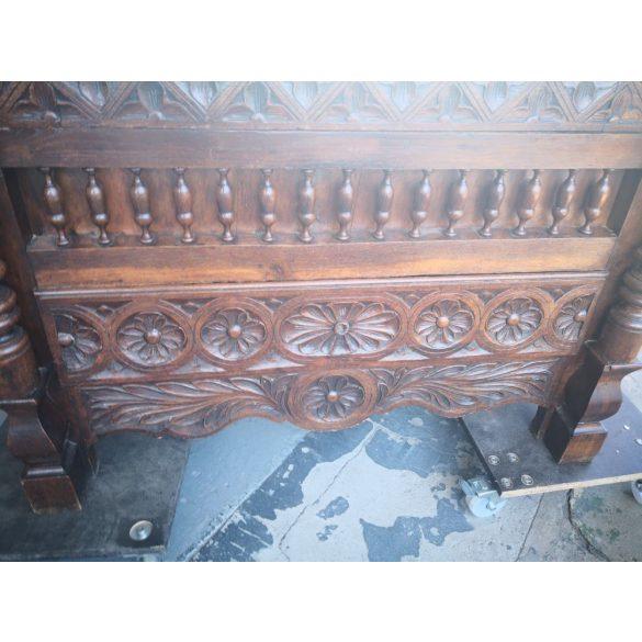 Faragott antik reneszánsz hálószoba garnitúra