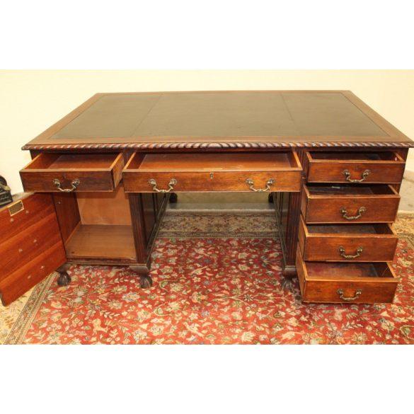 Antik nagyméretű térbe állítható tekintélyes Angol bőrborítású íróasztal