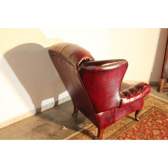 Chesterfield antik füles bőr fotel