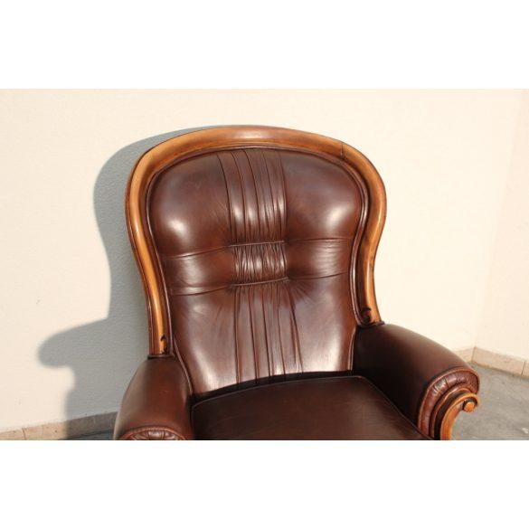 Antik barokk bőr fotel .Ipari,industrial stílusú lakásba tökéletes választás!
