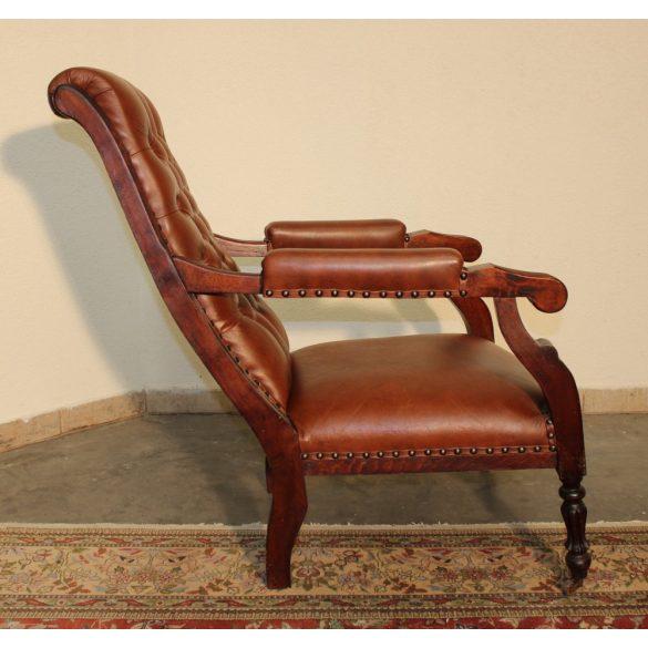 Chesterfield karfás bőr pihenő szék