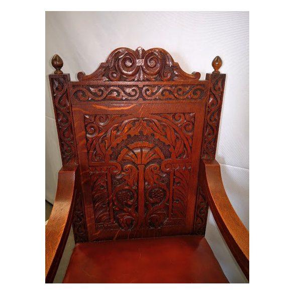 Antik faragott karfás szék