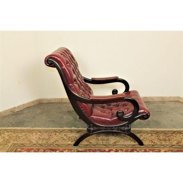 Chesterfield antik burgundi színű bőr pihenő szék