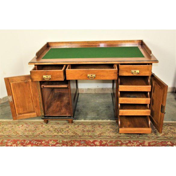 Antik ónémet íróasztal