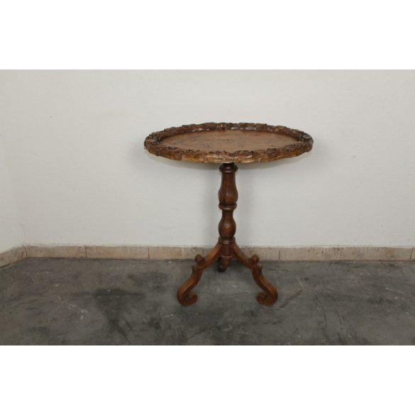 Antik fargott kisasztal
