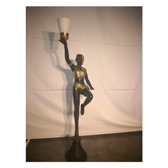 Fáklyát tartó női bronz lámpa szobor