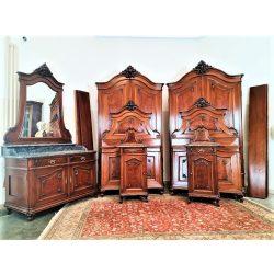 Frissen felújított, gyönyörű bécsi barokk hálószoba garnitúra