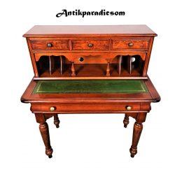 Nagyon szép kisméretű  Angol  bőrlapos íróasztal
