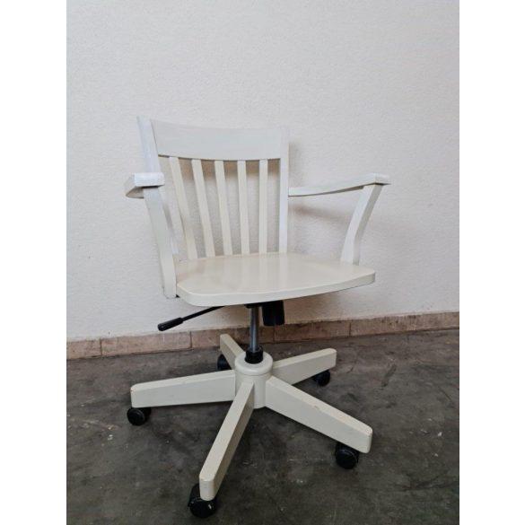 Fehér színű forgó íróasztalszék