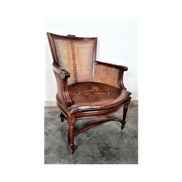 Nádazott kafás fotel