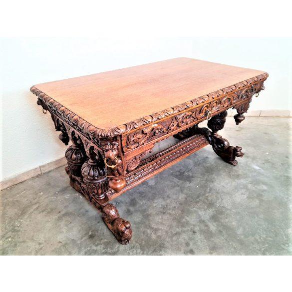Gyönyörű antik,frissen felújított reneszánsz stílusú asztal, íróasztal
