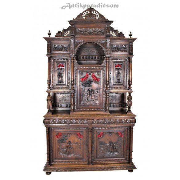 Antik,dúsan faragott,reneszánsz stílusú tálaló szekrény