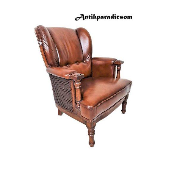 Antik konyak színű,nádhálós bőr fotel