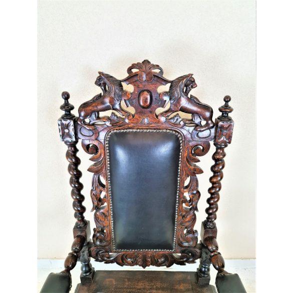 Antik ,dúsan faragott reneszánsz trónfotel