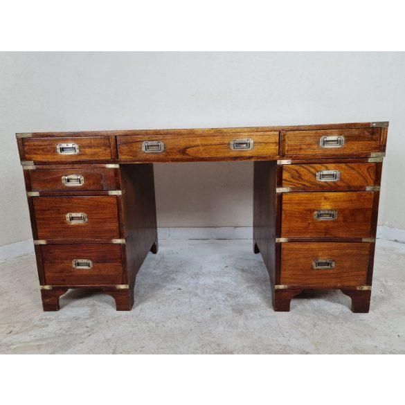 Nagyon szép antik Angol bőrlapos íróasztal
