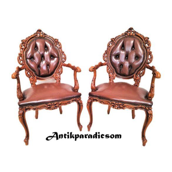 Gyönyörű barokk,dúsan faragott karfás bőr székek