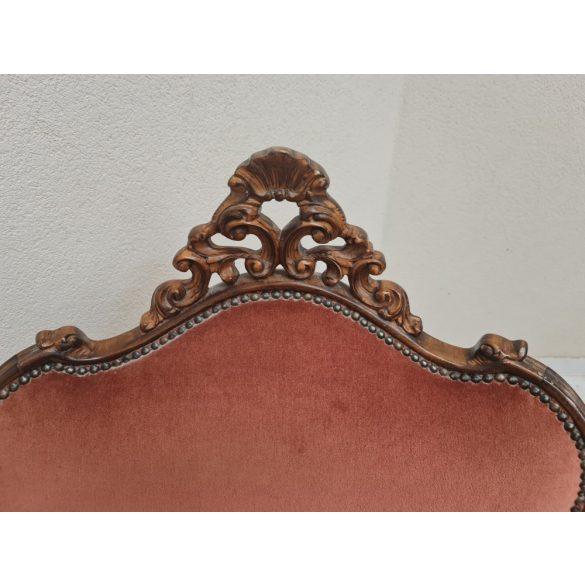 Gyönyörű antik faragott barokk fotel