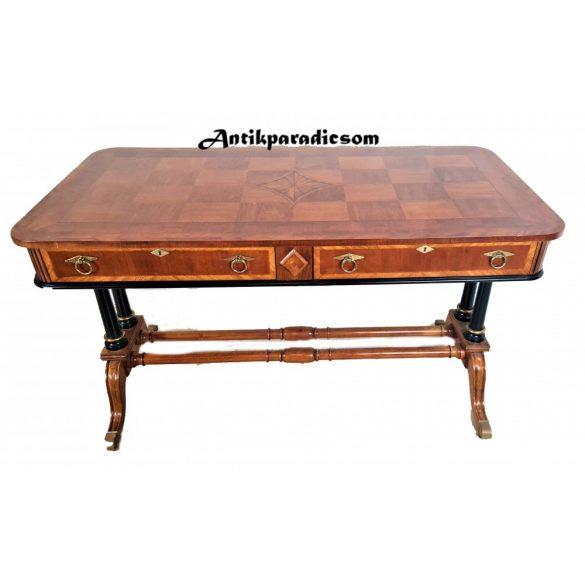 Gyönyörű biedermeier stílusú íróasztal