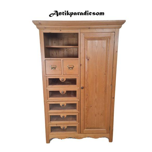 Régi konyhai szekrény