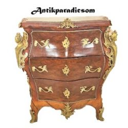Gyönyörű Olasz barokk,rézveretes,márványlapos hasas komód